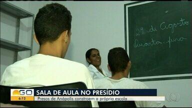 Presídio de Anápolis inaugura 5 salas de aula construídas pelos próprios presos - Quem estuda tem direto à redução de pena.
