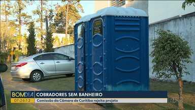 Vereadores rejeitam projeto que previa a instalação de banheiros para cobradores - A ideia era instalar banheiros químicos nas estações-tubo em Curitiba.