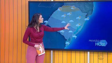 Tempo: temperaturas chegam aos 29º em cidades do RS nesta quinta-feira (30) - A chuva deve atingir todas as regiões do estado ainda nesta quinta-feira (30).