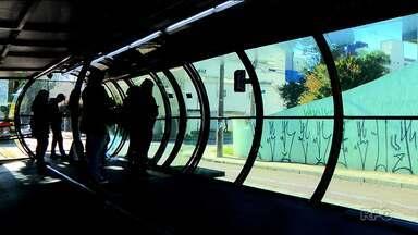 Pesquisa feita pelo BNPR mostra que 58% querem espaço exclusivo para mulheres em ônibus - 42% são contrários ao projeto proposto na Câmara de Curitiba.