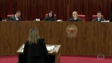TSE rejeita candidatura de Lula à presidência da República - Foram 16 pedidos ao TSE para rejeitar a candidatura de Lula com base na Lei da Ficha Limpa. Até que na sexta-feira (31), o registro foi barrado, depois de quase nove horas de julgamento.