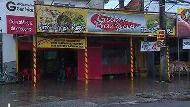 Três pessoas são mortas a tiros em lanchonete de Canoas - Crimes aconteceram por volta das 11h30, numa das ruas mais movimentadas do bairro Mathias Velho.