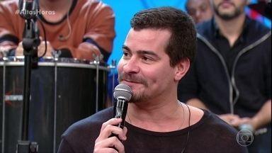 Thiago Martins explica sua relação com a banda Sorriso Maroto - Cantor e ator diz que está feliz acompanhando o grupo