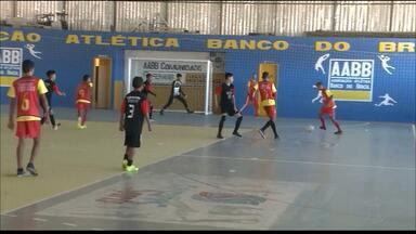 Projeto do Corpo de Bombeiros reúne mais de 200 jovens na prática do esporte - Projeto Gol 10 atende cerca de 350 crianças em algumas cidades paraibanas