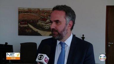 Tribunal de Contas de Pernambuco lança manual para ajudar a fiscalizar gestores públicos - Cartilha aponta o que administradores podem ou não podem fazer no encerramento de mandato