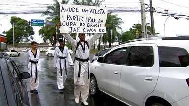 Lutadores de taekwondo deixam vergonha de lado por um motivo maior no esporte - Atletas arrecadam dinheiro nos sinais do Recife para participar da Copa do Brasil da modalidade, em dezembro