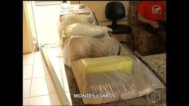Polícia apreende cerca de 30 quilos de maconha enterrados em Montes Claros - PM fazia patrulhamento quando flagrou um grupo de pessoas em atitudes suspeitas no Bairro Recanto das Águas; cães farejadores foram acionados e localizaram os entorpecentes.