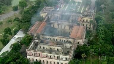Incêndio lembra importância do Museu Nacional - Pesquisadores, estudantes e professores encontram forças e seguem, sem parar, trabalhando para reconstruí-lo.