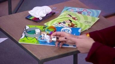 Produtos ajudam crianças com dificuldade de comunicação - Mãe criou produtos para ajudar filho diagnosticado com Transtorno do Espectro Autista a se comunicar.