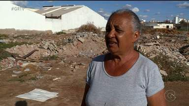 Dezenas de terrenos estão abandonados no bairro Caminho do Sol em Petrolina - O problema está incomodando os moradores da comunidade.