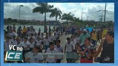 Alunos de quatro escolas e força de segurança participam do desfile em Tauá - VC no G1.