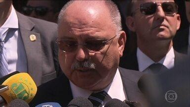 Atentado repercute em Brasília - Representantes dos três poderes condenaram o ataque a Jair Bolsonaro.