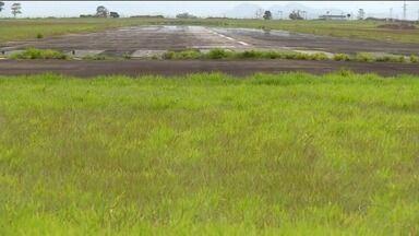 Obras do aeroporto de Linhares avançam no Norte do ES - Áreas vizinhas ao aeroporto já foram desapropriadas.