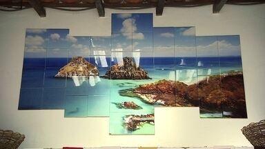 Produção de azulejos personalizados vira negócio lucrativo para empresária de SP - A ideia surgiu quando a empresária e o marido saíram da cidade para morar no litoral norte de São Paulo. Eles pensaram em um negócio que fosse lucrativo na praia. Com o sucesso das vendas, eles levaram a loja para outros lugares turísticos, como Campos do Jordão e Embu das Artes.