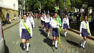 Veja como está a comemoração do Dia da Independência no Norte e na Serra do Rio - Assista a seguir.