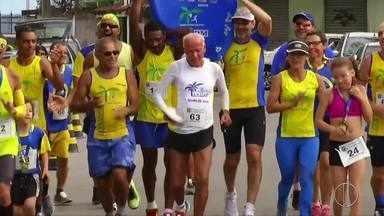 Corida da Independência é realizada em Macaé, no RJ - Assista a seguir.