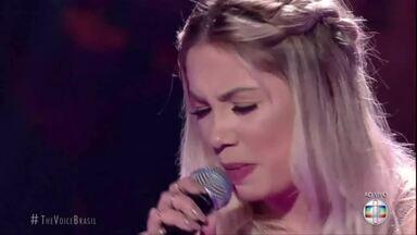 Larissa Viana, de Petrópolis, RJ, deixa o The Voice Brasil - Assista a seguir.