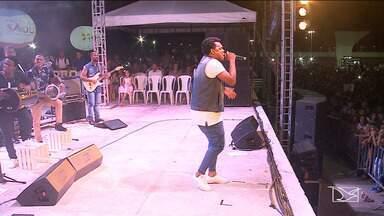São Luís realiza show ecumênico em comemoração ao aniversário da cidade - Show Terra de Adoração reuniu no sábado (8), na Praça Maria Aragão, na capital, católicos e evangélicos.