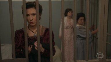 Capítulo de 10/09/2018 - Darcy, Elisabeta e Baltazar se surpreendem com o estado de Lady Margareth. Ema teme ter magoado Ernesto. Luccino incentiva Ernesto a se reaproximar de sua esposa. Delegado Baltazar decide prender Lady Margareth para testar seu estado de aparente confusão mental, e Darcy se preocupa com a tia. Nicoletta afirma a Gaetano que ele precisa trazer seus filhos de volta para casa.