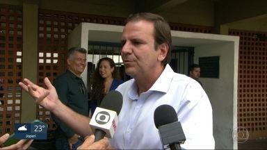 Eduardo Paes visita escola técnica na Baixada Fluminense - Eduardo Paes visita escola técnica em Nova Iguaçu, na Baixada Fluminense.