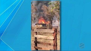 Fogo em propriedades rurais de Inocência está controlado - Chamas consomem vegetação de cinco fazendas.