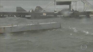 Filipinas se preparam para a chegada do tufão mais forte do ano - Tufão Mangkut deve atingir o norte do país, com ventos de quase 250km/h.