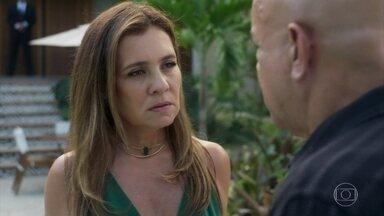 Laureta exige que Galdino descubra o paradeiro de Luzia - A cafetina cuida de Ícaro em sua casa