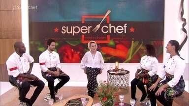 Reta final do Super Chef Celebridades - Ana Maria recebe os participantes, que trabalharam em dupla