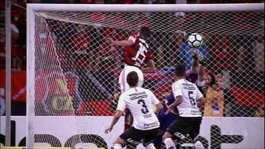 Cássio segura o empate contra o Flamengo no Maracanã - Cássio segura o empate contra o Flamengo no Maracanã