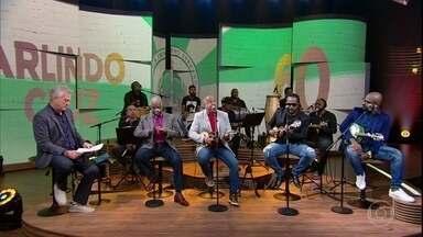 """Sombrinha canta """"Maçã do Amor"""" - Babi Cruz se emociona e canta junto com o amigo"""