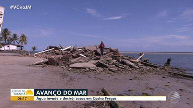 Mar invade loteamento e destrói casas em Cacha Pregos, na Ilha de Itaparica - As casas haviam sido abandonadas desde que as estruturas foram comprometidas por causa da maré.