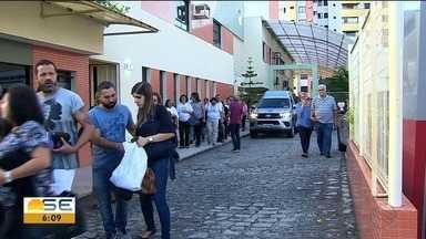 Corpo da fundadora da Avosos vai ser cremado em Salvador - Por volta das 6h o caixão com o corpo de Tia Ruth foi levado por familiares para a Bahia.