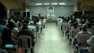 Parentes de Silvânio Barbosa lembram das boas ações do parlamentar em missa de 7º dia - Missa foi realizada em meio muita comoção de parentes e amigos.