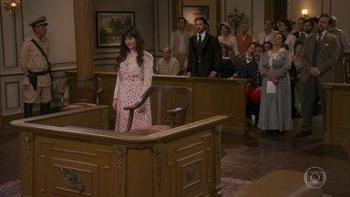 Todos acusam Xavier - Petúlia depõe contra o fazendeiro e o juiz ordena a prisão dele. Xavier saca uma arma