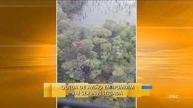 Avião de pequeno porte cai e pega fogo no Oeste catarinense - Avião de pequeno porte cai e pega fogo no Oeste catarinense
