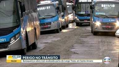 Obra da Sabesp provoca transtornos na região de Santo Amaro, zona sul da capital - A Sabesp diz que a obra é para substituição da rede de esgotos em toda extensão da rua Barão de Duprat. A previsão é que o trabalho termine em 15 dias
