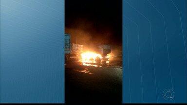 Explosões durante a madrugada assustam moradores de Bayeux - Um carro pegou fogo.