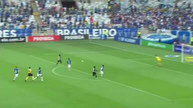 No maior clássico do estado, Cruzeiro e Atlético ficam no empate pelo Brasileirão - Duelo deste domingo movimentou torcedores.
