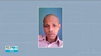 Corpo de homem de 41 anos é encontrado dentro de geladeira em Pirituba - A polícia procura pelo dono da casa, que seria suspeito do crime, e está desaparecido.