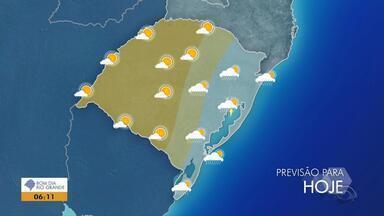 Tempo: sol volta a predominar em parte do RS nesta terça-feira (18) - Na Região Leste ainda há previsão de chuva.