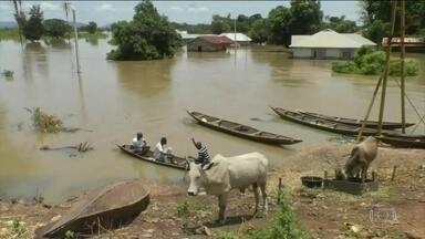 Chuva provoca mais de 100 mortes na Nigéria - Milhares de pessoas estão desalojadas. Os temporais já duram mais de 2 semanas, desde 2012 não chovia tanto na região.