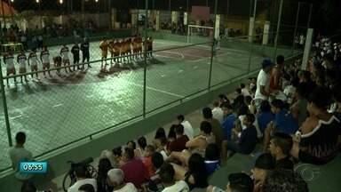 Moradores de Fernão Velho buscam no esporte uma forma de afastar as crianças da violência - Mais de 30 casos de violência são registrados no Fernão Velho. Resultado foi referente a uma pesquisa com dados de janeiro até agosto de 2018.