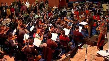 Orquestra Sinfônica de Mogi das Cruzes se apresenta em São Paulo com Cláudia Raia - Os músicos da Orquestra Sinfônica Jovem ensaiaram durante esta segunda-feira (17) para se apresentar com a atriz.