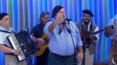 Na Semana Farroupilha, Gaúcho da Fronteira comemora 50 anos de carreira - Assista ao vídeo.