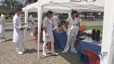 Santa Casa realiza campanha em prol do Setembro Amarelo - Setembro é o mês de combate ao suicídio, e ação é realizada em frente ao hospital.