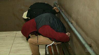 Homens são presos suspeitos de tráfico de drogas - Eles foram abordados no Jardim Itália com maconha e cocaína