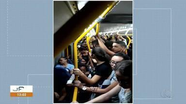 Passageiros reclamam de ônibus superlotados em Palmas - Passageiros reclamam de ônibus superlotados em Palmas