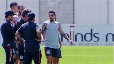 Fagner volta ao time do Corinthians contra o Internacional - Fagner volta ao time do Corinthians contra o Internacional