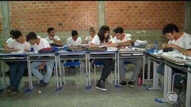 Dados do IBGE revelam que mais da metade dos jovens estão fora da escola no Piauí - Dados do IBGE revelam que mais da metade dos jovens estão fora da escola no Piauí