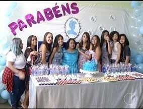 Escola em Montes Claros realiza sonho de uma aluna que deseja ter uma festa de aniversário - Estudante sonhava em se vestir de cinderela na festa de aniversário.
